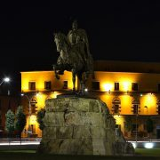 Tirana_-_Skanderbeg_monument_by_night